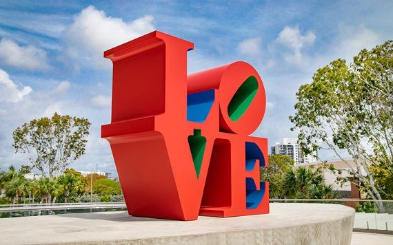 Love Sculpture by Robert Indiana photo by Leo Diaz
