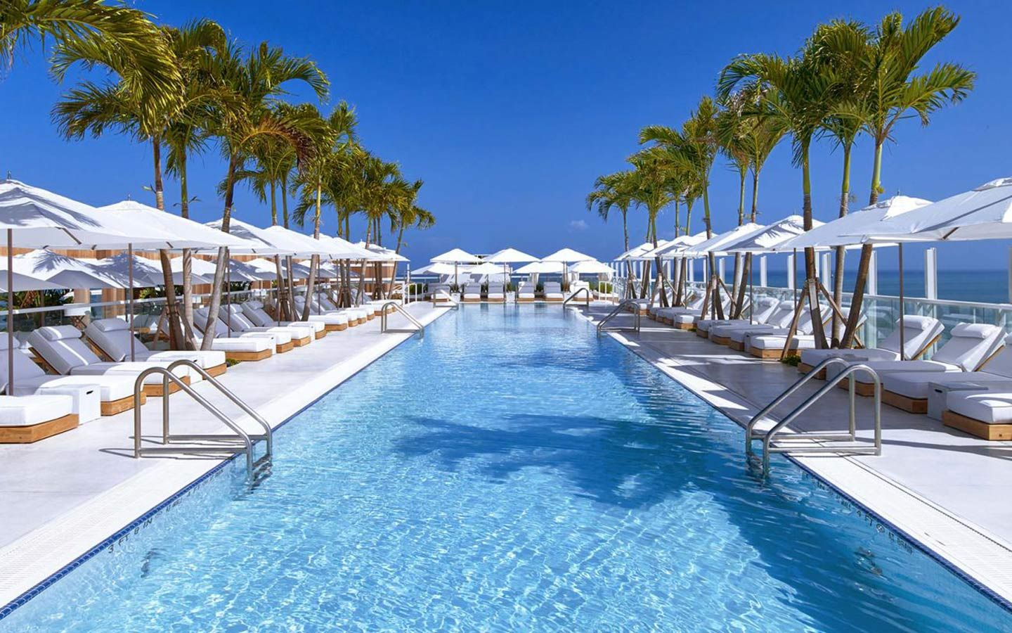 Hotels with Amazing pools in Miami Beach